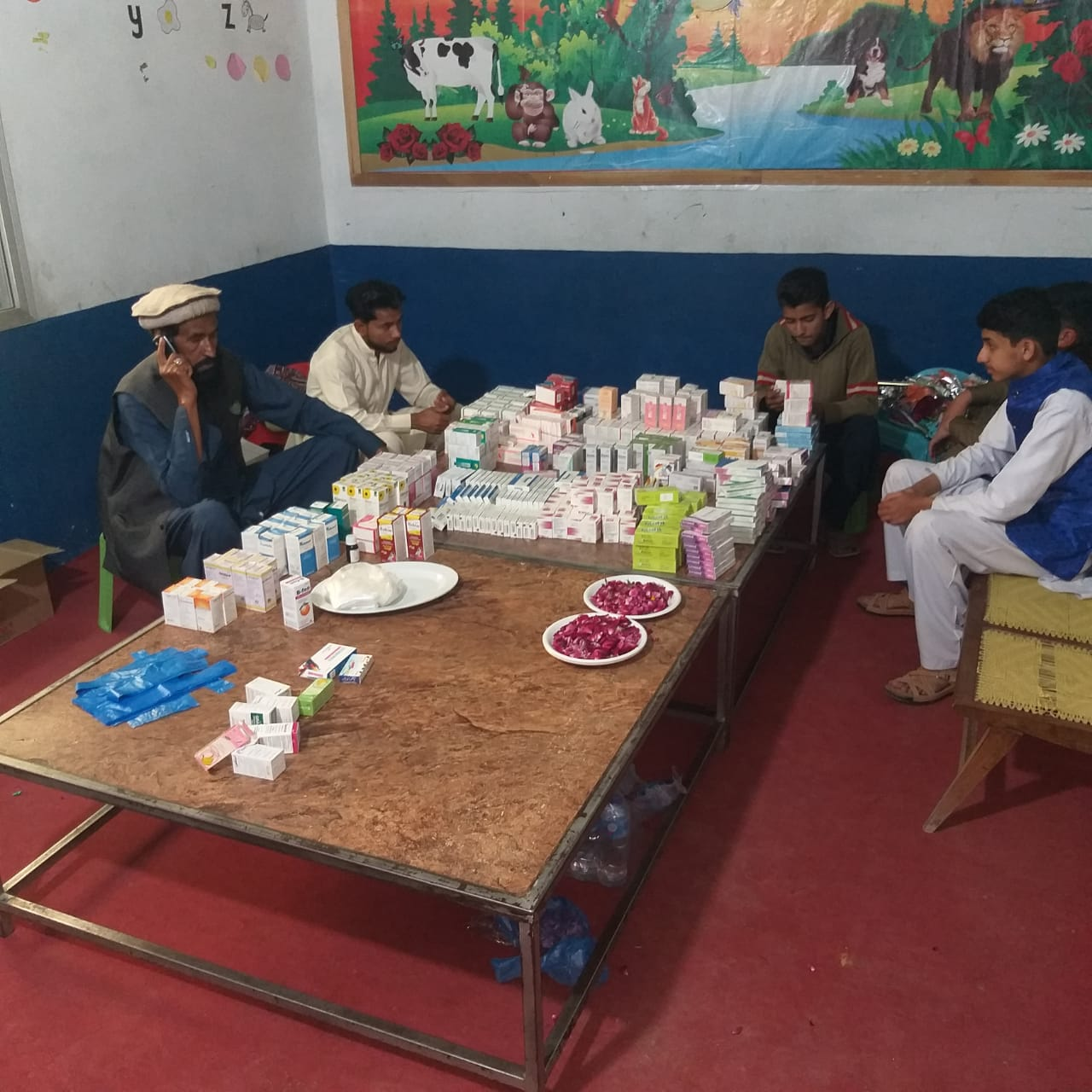 Zilah Chakwal ke ilaqa کھوکھرزیر mein aik roza free medical camp - 3
